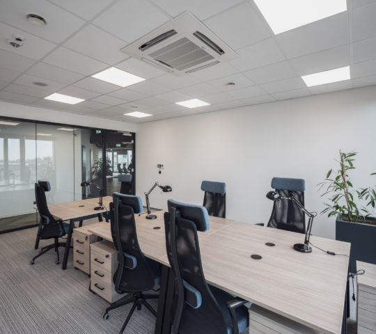 Private office space for 6 people